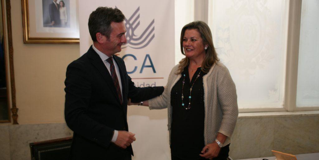 IMG El Rector de la UCA y la Administradora de Verinsur